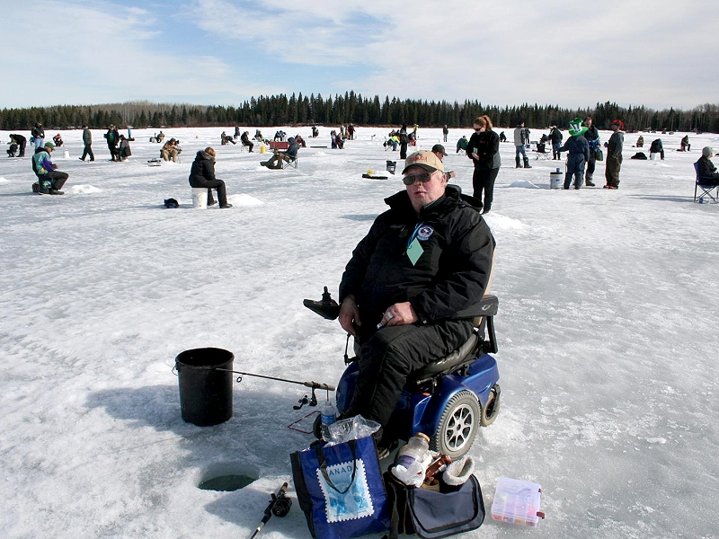 Billy beal classic ice fishing derby one of the best for Ice fishing derby game